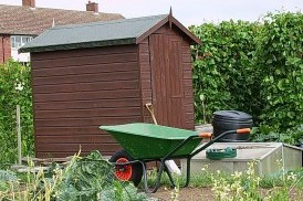 988px-Elmgrove_allotment_shed